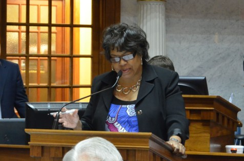 Sen. Breaux debates an amendment to SB 621